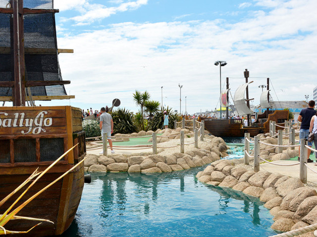 Water feature and pirate ships at Hastings Adventure Golf