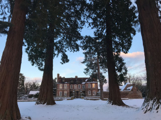 Snowy day at Groombridge Place